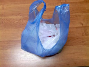Как легко сложить пакет-майку